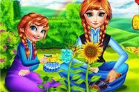 Анна и Дочь в Саду - Anna Mommy Gardening