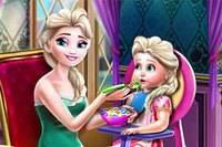 Эльза Кормит Малыша - Elsa Mommy Toddler Feed