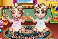 Эльза Ухаживает за Близнецами - Elsa Twins Care